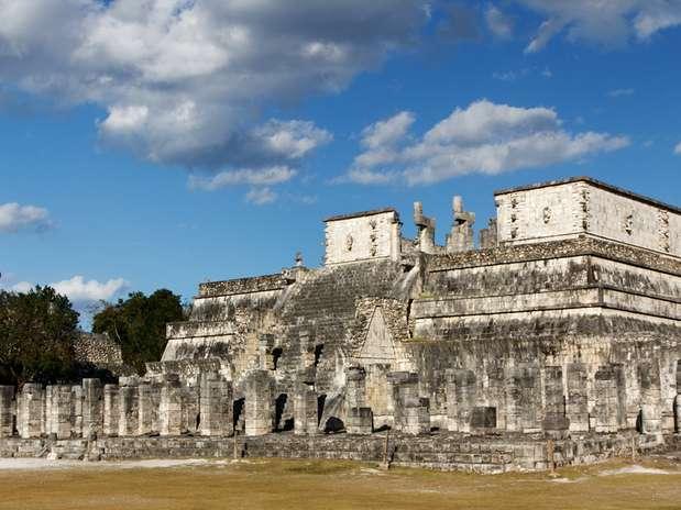 Templo de los Guerreros: Se encuentra en la ciudad arqueológica de Chichén Itzá, México, ocupa 40 metros cuadrados y cuenta con 200 columnas que fueron construidas en el año 1200 d.C.  Foto: Shutterstock