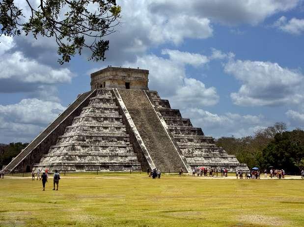 El Castillo: Es una de las principales estructuras de Chichén Itzá. Construido por los mayas itzáes en el siglo XII. El templo tiene nueve niveles, 17 metros de altura y varias esculturas internas.  Foto: Shutterstock