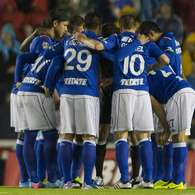 Cruz Azul hangs on to 1-0 over America in 1st leg (photos). Photo: Mexsport