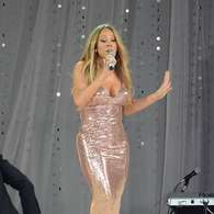 "Fotos: Mariah Carey casi enseña ""bubis"" durante show en vivo. Foto: Getty Images"