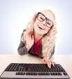 Namoro online: garotas de 25 e homens com bons salários são mais buscados