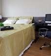 Reforma de baixo custo cria apartamento ideal para solteiro