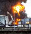 SP: incêndio atinge tanques de combustíveis em Santos