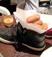 Sapato e pá? Restaurantes servem comida em itens inusitados