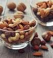Nozes e proteínas no lanche da tarde reduzem apetite
