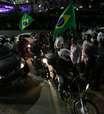 Taxistas bloqueiam av. em SP contra regulamentação do Uber