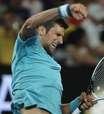 Djokovic bate Verdasco na estreia e busca defesa do título