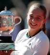 Ostapenko vence Halep e fatura o título de Roland Garros