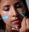 Torcedores enfeitam arquibancadas de Argentina x Islândia