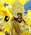 Portela faz desfile luxuoso e empolga o público