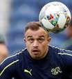 Shaqiri diz que continuará no Liverpool e defenderá Suíça