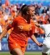 Holanda fura retranca da Nova Zelândia no final e vence 1ª