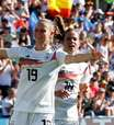 Alemanha atropela África do Sul, avança como líder e 100%