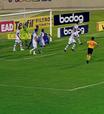 Confiança sai na frente, mas acaba cedendo empate ao Figueirense