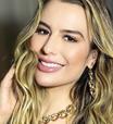 Fernanda Keulla assiste ao BBB21 com vestido de R$ 89,99