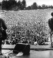 Documentário vai celebrar 25 anos de shows lendários do Oasis para 250 mil fãs