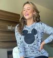 Paolla Oliveira veste estampa de Mickey de maneira 'adulta'