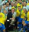 Seleção se divide sobre encontro com Bolsonaro após título