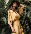 Isabella Fiorentino revela seu 'uniforme': vestido com bota