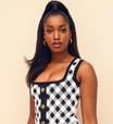 Iza aposta no xadrez em vestido justo e curto de R$ 10 mil
