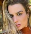 Fernanda Keulla exibe look em tons terrosos de R$ 502,80