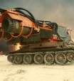 Veja como um tanque da 2ª Guerra se tornou o caminhão de bombeiro mais extremo do mundo
