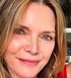 Michelle Pfeiffer posta foto rara ao lado da filha mais velha