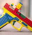 Arma de verdade com visual de Lego causa polêmica nos EUA