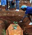 Brasil tem mais 42.289 casos e 1.318 mortes por covid-19