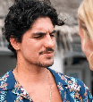 Yasmin Brunet faz Gabriel Medina usar colar com sua foto íntima desenhada