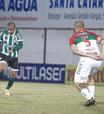 Em alta, Coritiba e Goiás se enfrentam na Série B