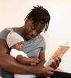 Seu bebê baba muito? Descubra o que fazer