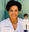 'Esforço para ciência no Brasil é 4 vezes maior', diz biomédica que sequenciou coronavírus e 'virou' Barbie