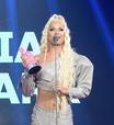 Lia Clark anuncia título de novo álbum ao receber prêmio no MTV MIAW 2021