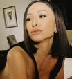 Sabrina Sato exibe meia-calça de R$ 3 mil em Paris