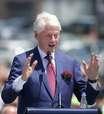 Ex-presidente Bill Clinton se recupera em hospital de infecção, dizem médicos