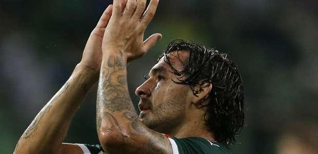 Ricardo Goulart rescinde com Palmeiras e volta para a China