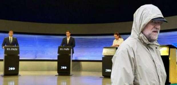 Lluvia de memes ante el atril vacío de Rajoy en el debate