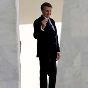 STF arquiva pedido contra Bolsonaro por falsidade ideológica