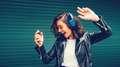Retrospectiva: Escute as músicas que bombaram em 2018