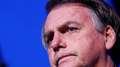 """Bolsonaro chama manifestantes de """"imbecis"""" e """"idiotas úteis"""""""