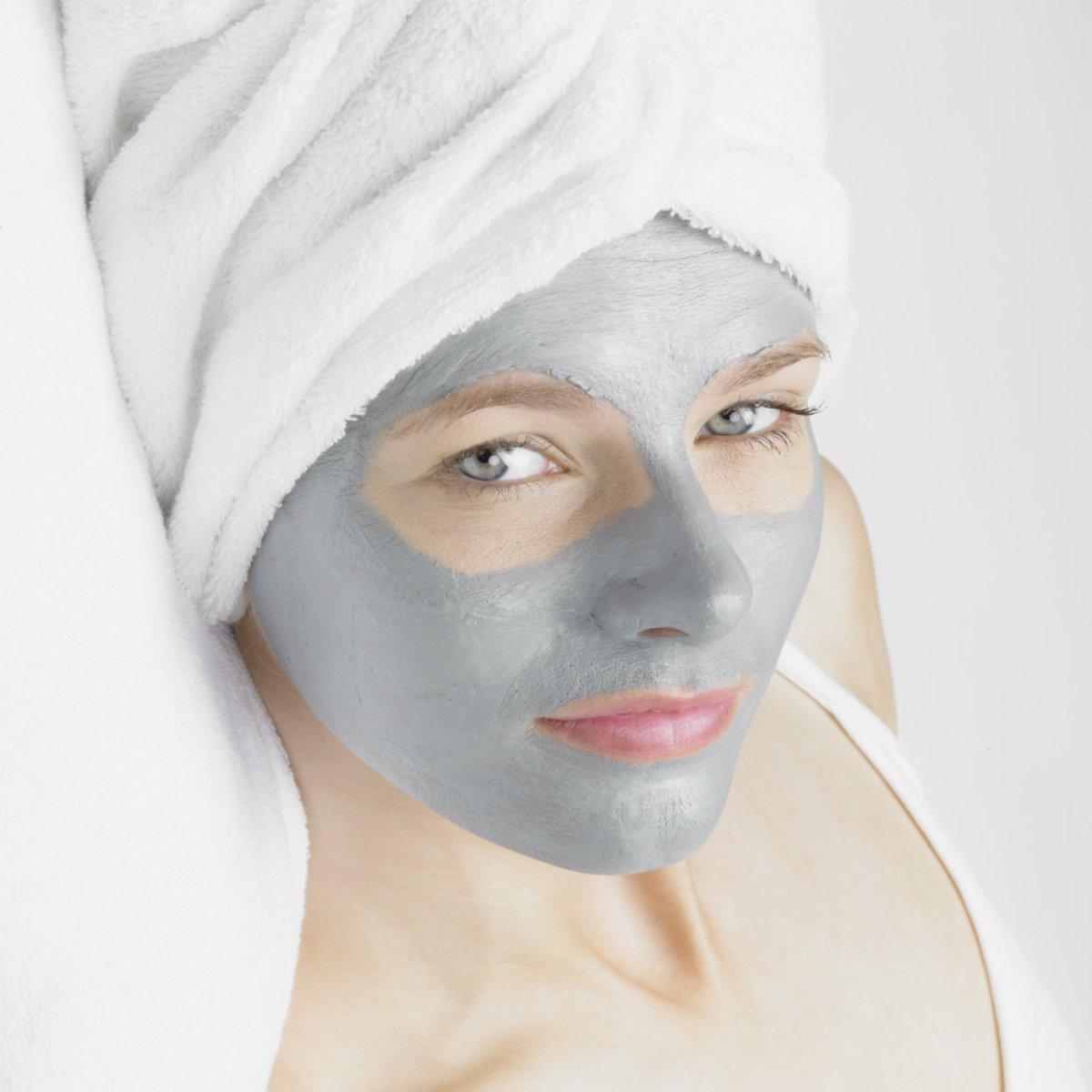 Máscara de prata hidrata e restaura o viço facial