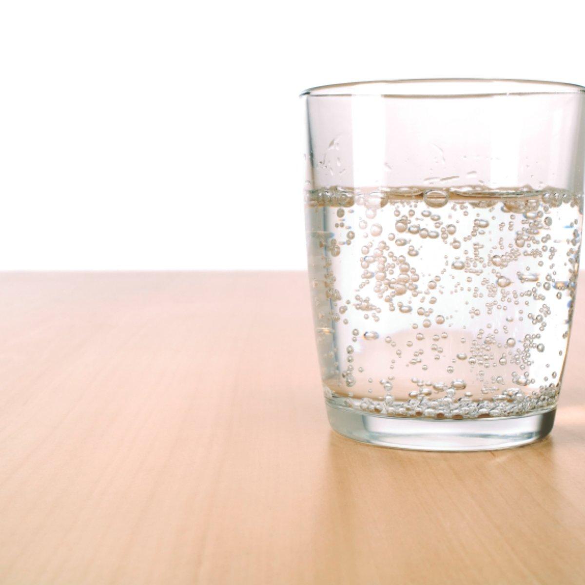 Quais os beneficios da agua mineral com gas