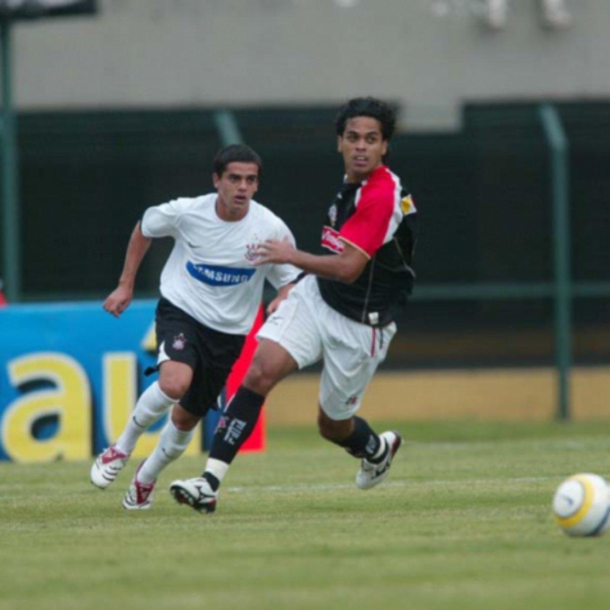 Ultimo Corinthians X Santa Cruz Foi Em 2006 E Teve Jovem Fagner Titular