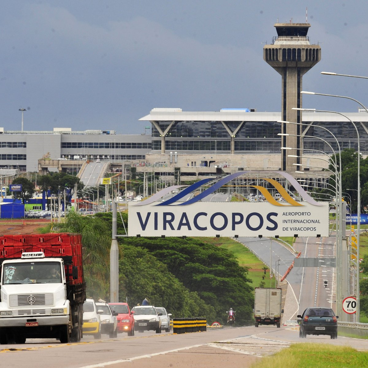 Viracopos fecha por três horas e 18 voos são alterados