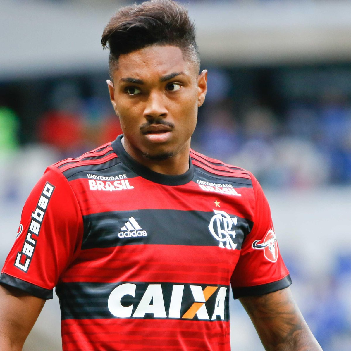 Vitinho na corda bamba no Flamengo