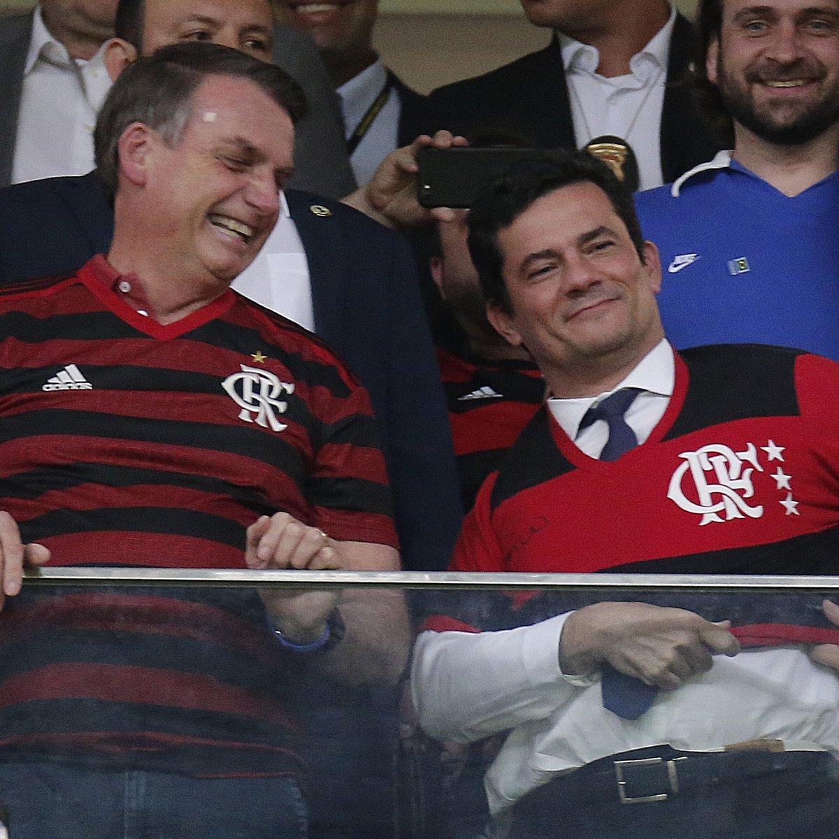 Ao lado de Bolsonaro, Moro é ovacionado em jogo do Flamengo