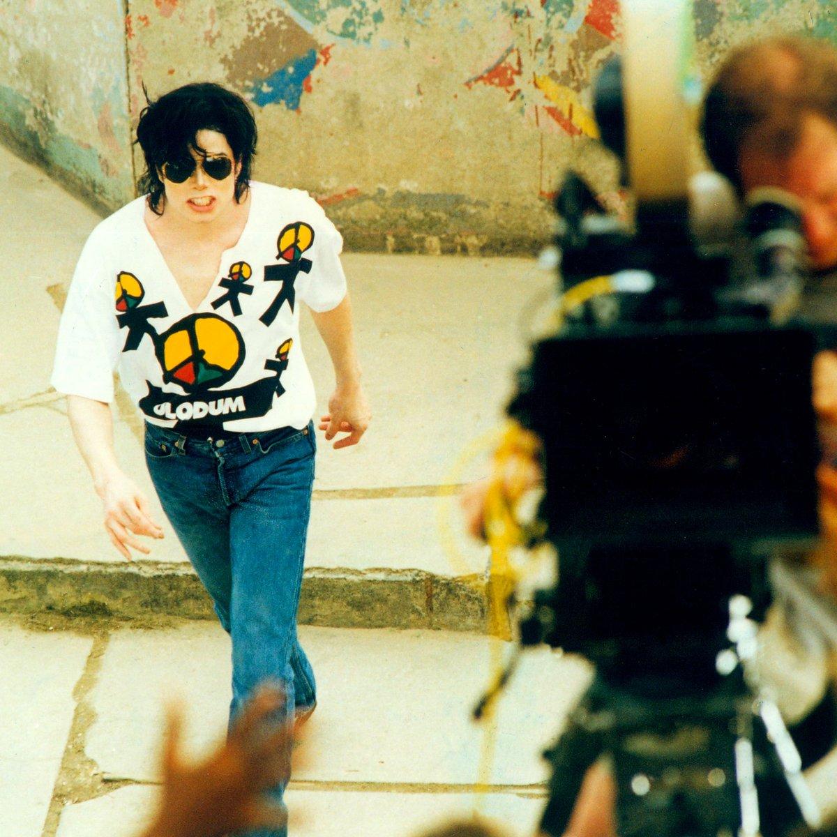Morto há 10 anos, imagem de Michael Jackson segue em disputa