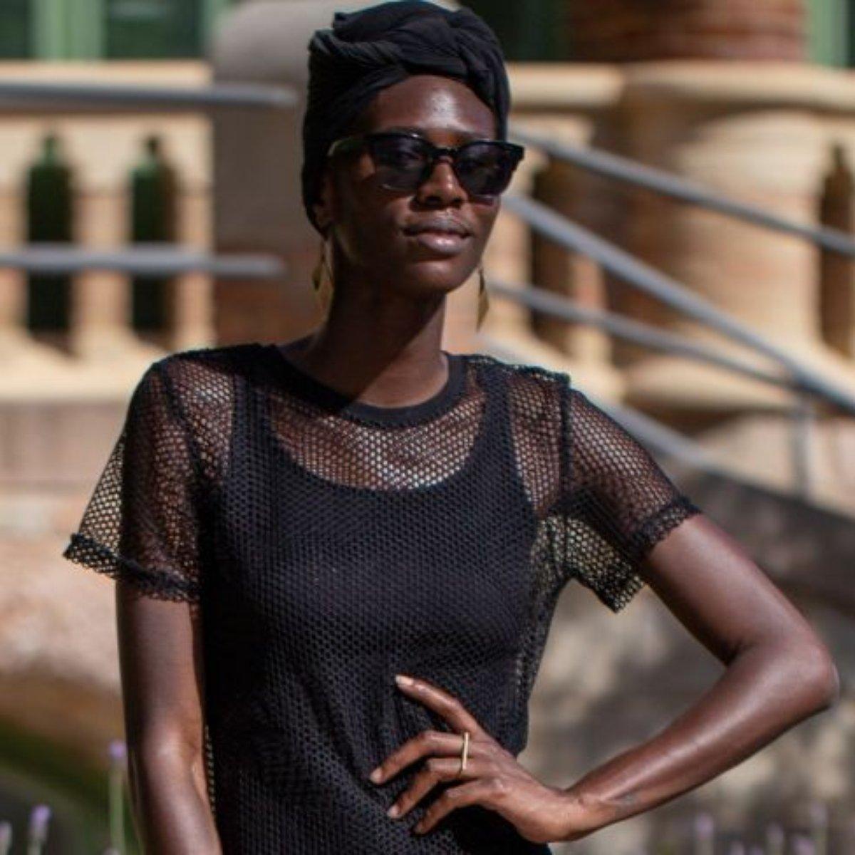 6d9f9e419133e0 Casual chic: 12 jeitos de usar vestido com tênis e criar looks ...