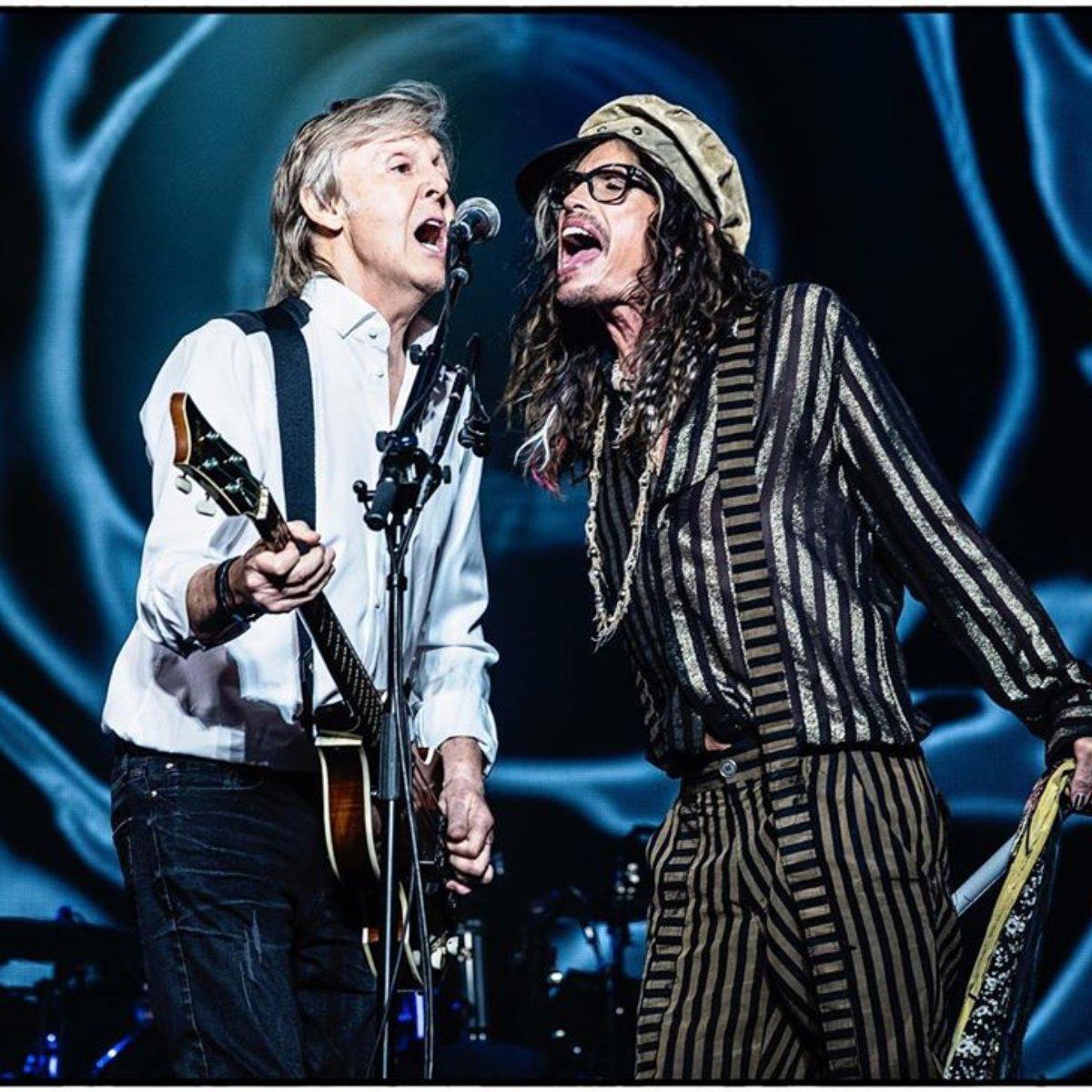 Resultado de imagem para Paul McCartney e Steven Tyler juntos no palco